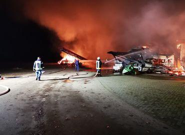 Der letzte Einsatz des Jahres: Großbrand auf einem BioHof in Babow