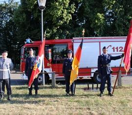 Die Bundeswehr unterstützte die Feuerwehr und leitete die Zeremonie