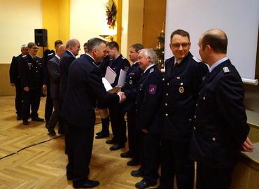 Auszeichnung mit dem Ehrenzeichen des KFV u.a. durch Unterverbandsleiter Jürgen Mönch (vorne)