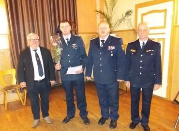 v.l. Bürgermeister Dietmar Horke, Kamerad Christoph Conrad, Stadtwehrführer Stefan Grothe, Leiter des UV IV des KFV e.V. Frank Kalisch