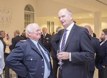 Kamerad Dr. Britze im Gespräch mit Ministerpräsident Dr. Woidke zum Thema Projekt