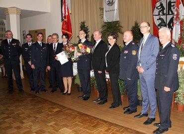 Sandrina Jank und Markus Peskar im Kreis der Gratulanten