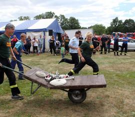 Spaß und Wettkampf standen beim Feuerwehrjubiläum auf dem Programm
