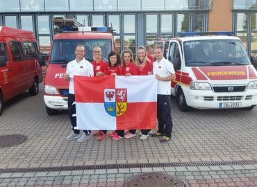Die Verabschiedung zur WM im letzten Jahr. Anja Aldermann (2. von rechts) und die Lausitzer SportlerInnen im Team Deutschland. In diesem Jahr allerding in leicht abgewandelter Besetzung.