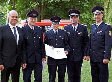 Bürgermeister Dieter Perko, OWF Harald Noack, Dieter Kramer, KFV-Vorsitzender Robert Buder, Stellvertretende KBM Karsten Magister