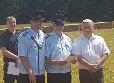 Kam. Robert Buder, Kam. Roland Kindt, Bürgermeister der Gemeinde Schenkendöbern Peter Jeschke