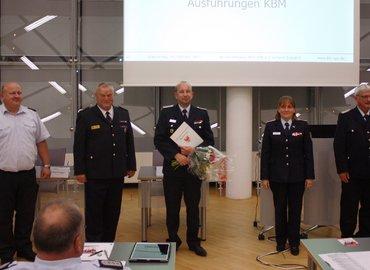 Kreisbrandmeister Stefan Grothe, LFV-Präsident Werner-Siegwart Schippel, Dr Holger Bialek, die stellvertretende KFV-Vorsitzende Christine Sehmisch, Ehren-KBM Wolfhard Kätzmer